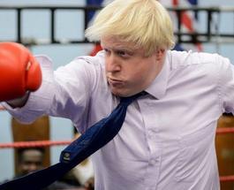 Глава МИД Британии Борис Джонсон покорил своими красными шортами на пробежке