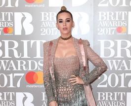 Фото звезд, забывших о приличиях на Brit Music Awards