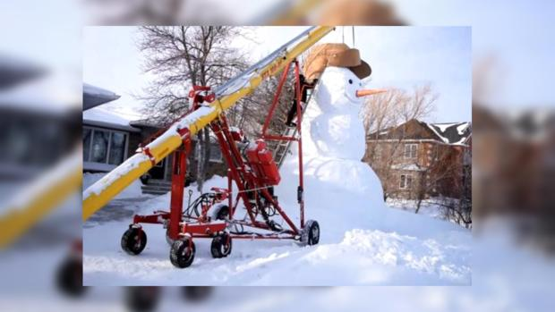 Канадцы построили снеговика-гиганта