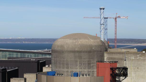 Взрыв наАЭС воФранции: власти заявляют оботсутствии ядерной угрозы