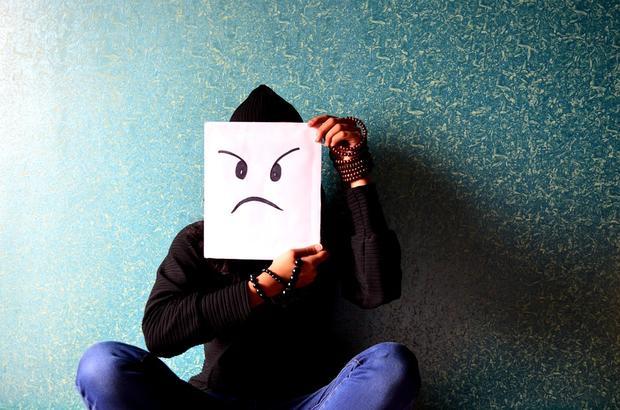 Психологи через соцсети доводят молодых людей досуицида— претензия насамоубийство