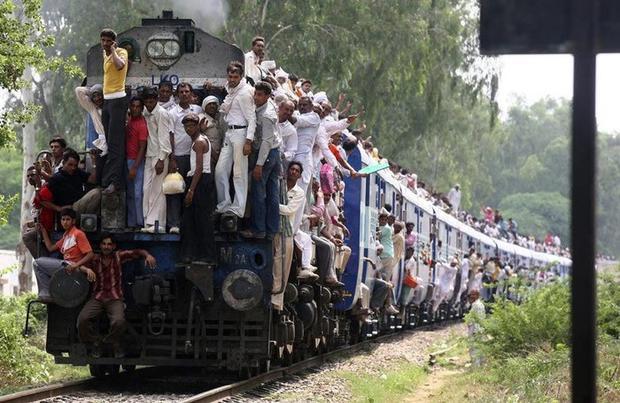 Картинки по запросу в Индии живёт в три раза меньше населения