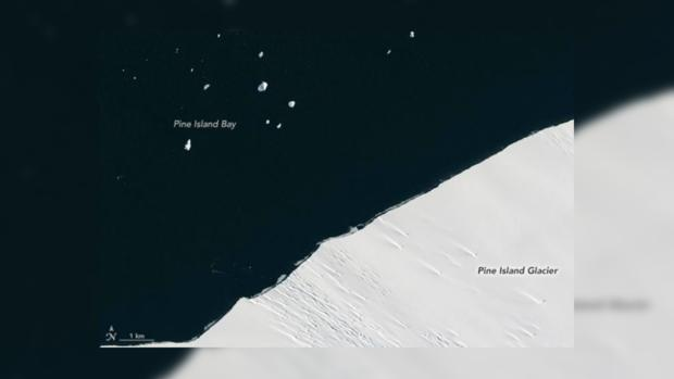 ВNASA сказали, что отАнтарктиды откололся айсберг размером состров