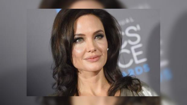 Анджелина Джоли впервый раз появилась напремьере фильма после развода сПиттом