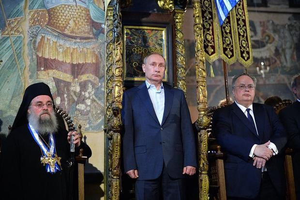 Источник в руководстве опроверг слухи одосрочных выборах Президента Российской Федерации