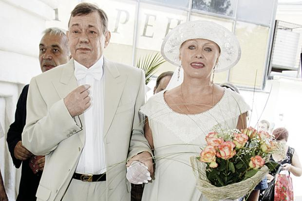 Николай Караченцов иего родственница отправлены вмед. учереждение стравмами головы