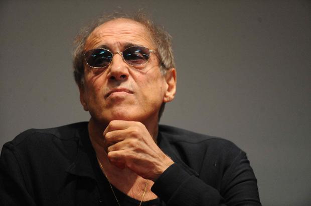 Легендарный артист и солист Адриано Челентало боится засвою жизнь