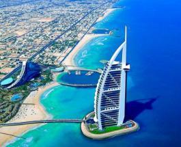 Отель Бурдж-аль-Араб в Дубае стал самым популярным в соцсетях