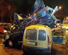 ДТП в Киеве на Берестейской: Opel взлетел на Renault - есть жертвы