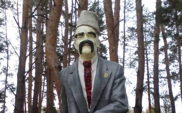 НаЛуганщине бойцы АТО «загримировали» Ленина вТараса Шевченко