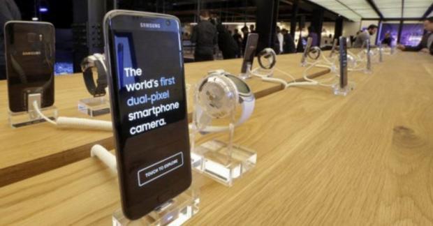 В РФ подешевел Galaxy S7 edge— Самсунг сбивает цены
