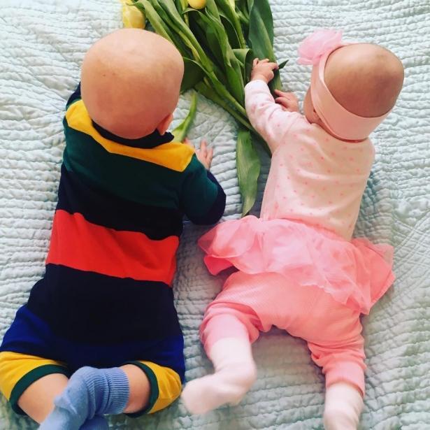 Елена Кравец впервый раз показала фото собственных двойняшек