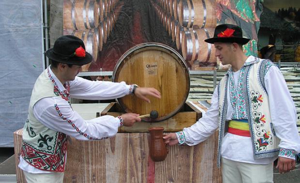 Только в Молдове: Вино теперь не алкогольный напиток