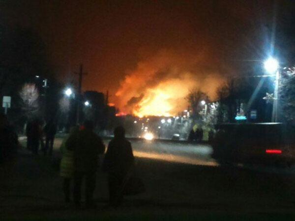 Взрыв склада боеприпасов вХарькове: эвакуируют 15 тыс. человек