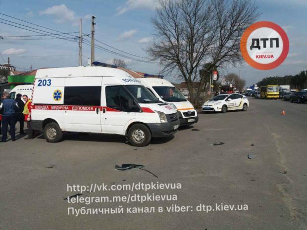 Под Киевом вакробатическом ДТП пострадали 5 человек итрое детей