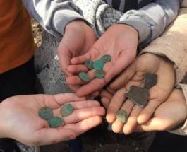 Черниговские школьники нашли исторический клад серебряных монет