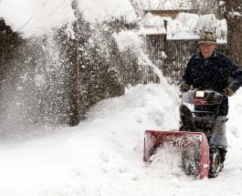 Снегопад накрыл соседние с Украиной страны - фото