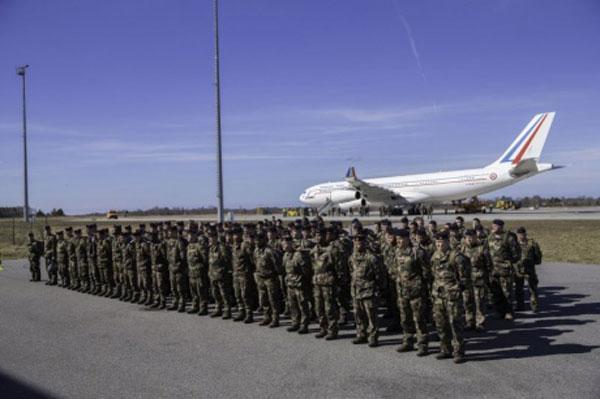 НАТО завершило переброску батальона вЭстонию