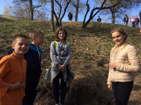 ВЧернигове школьники откопали древнейшие монеты XVII века— Настоящий клад