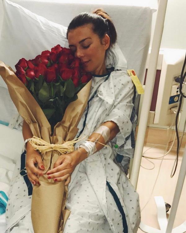 Анна Седокова поразила фигурой вкупальнике после родов