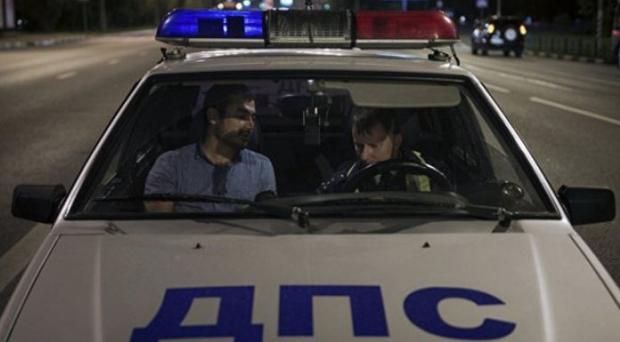 ВоВладивостоке девушка зарулем Mercedes разбила 11 припаркованных машин