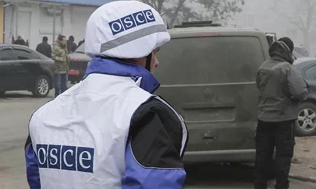 Автомобиль ОБСЕ подорвался намине под Луганском