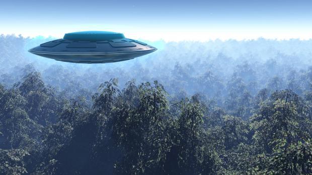 Над северной Италией замечено зелёное НЛО