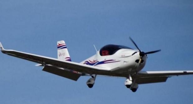 ВАвстралии пилот-стажер посадил самолет без фронтальной стойки шасси