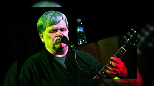 Гитарист Брюс Хэмптон скончался впроцессе концерта