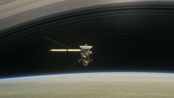 NASA опубликовало видео полета «Кассини» через атмосферу Сатурна