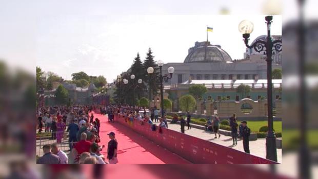 ВКиеве спомпой открыли «Евровидение»