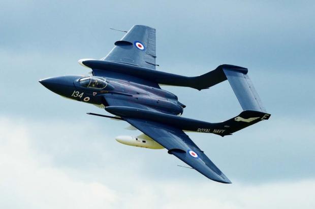 «Революционный» британский истребитель сел набрюхо после авиашоу