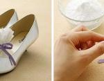 Используйте соду, чтобы избавится от неприятного запаха в обуви
