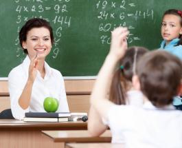 Учителям в Украине повысят зарплату: когда и на сколько