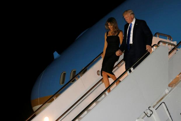 Супруга имладший сын Трампа переехали вБелый дом