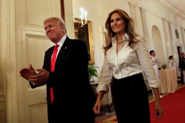 Меланья Трамп имладший сын переселились вБелый дом