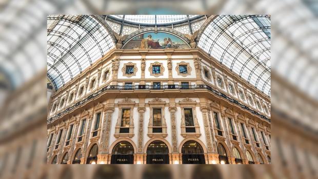 Итальянский отель предлагает постояльцам постельное белье иззолота