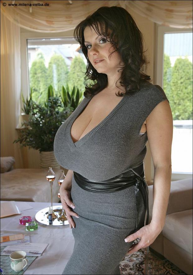 зрелая женщина с большая грудь онлайн такие