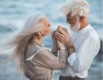 Трогательные фото: любви и романтике все возрасты покорны