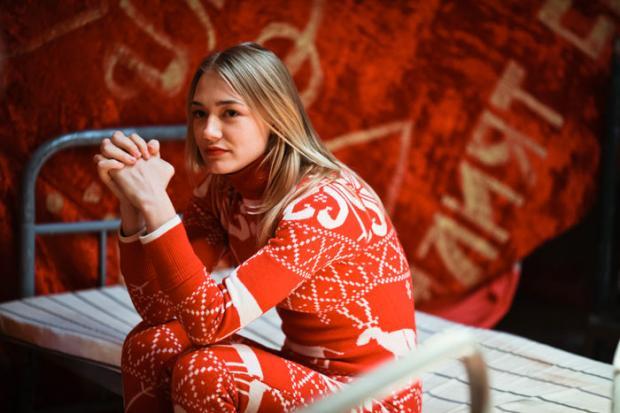 Звезда «Стиляг» Оксана Акиньшина побила соседку подаче