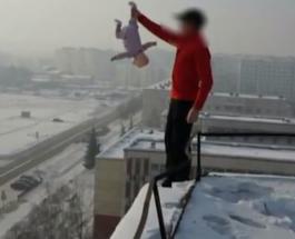 Россиянин использует в опасных трюках свою маленькую дочь