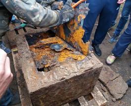 В Виннице открыли загадочный сейф найденный при прокладке теплотрассы