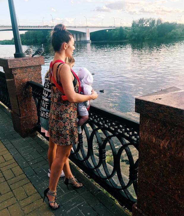 УАнны Седоковой «лопнуло» одеяние прямо насцене