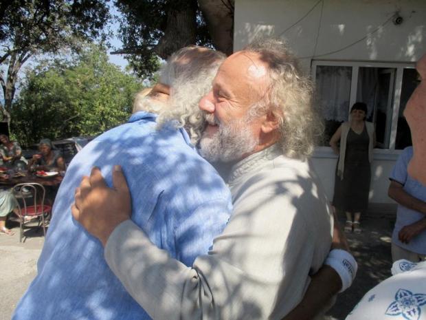 Илья Резник: 80-летний поэт прошел обряд крещения