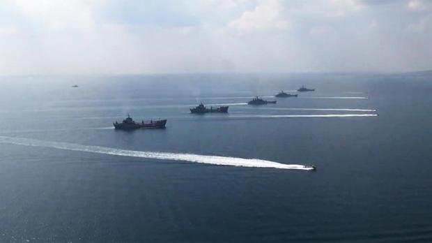 20 кораблей Каспийской флотилии подняты потревоге: начались масштабные учения