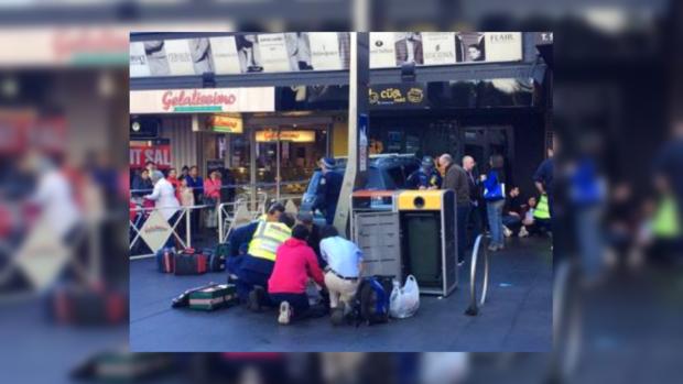 ДТП вАвстралии: автомобиль въехал втолпу людей
