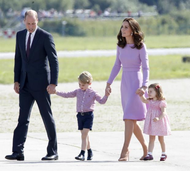 Супруга принца Уильяма Кейт Миддлтон была срочно доставлена в клинику