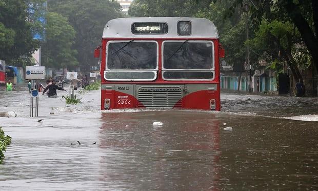 ВМумбаи 5 человек погибли из-за дождей