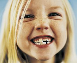 Доктор Комаровский предупредил о необходимости ухода за молочными зубами ребенка