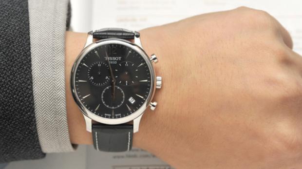 Наручные часы остановились на руке примета часы chanel керамика купить